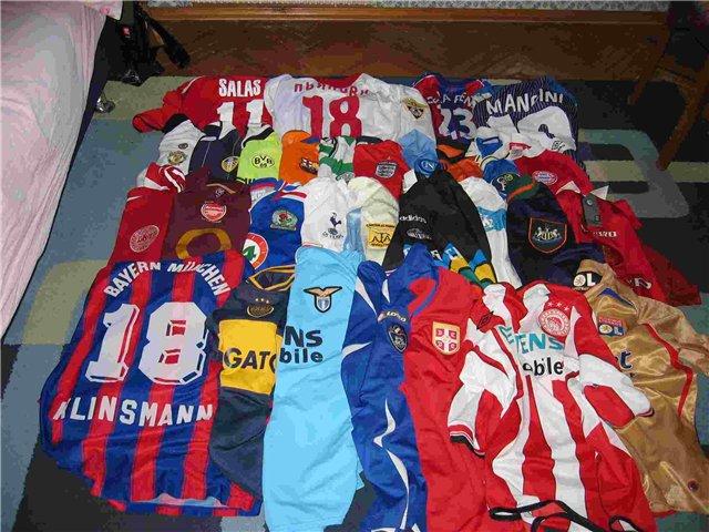 фото футболисток в нарисованных футболках