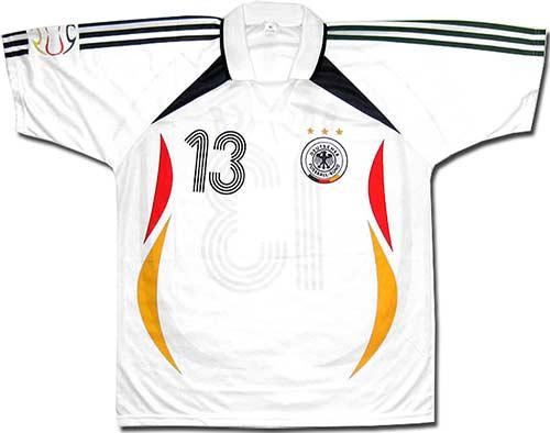 Футболка белая сборной Германии.